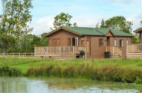 Big Cottages - Charming Hewish Lodge S13352