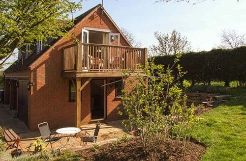 Last Minute Cottages - Cosy Goldicote Rental S25946