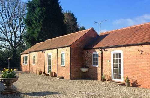 Last Minute Cottages - Inviting Meriden Cottage S94324