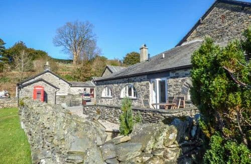 Last Minute Cottages - Tasteful Near Sawrey Apartment S50272