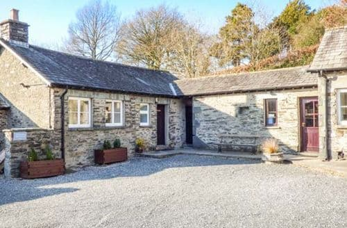 Last Minute Cottages - Lovely Near Sawrey Apartment S50273