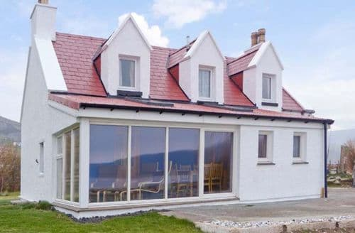 Big Cottages - Charming Portree Cottage S5466