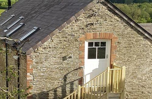 Last Minute Cottages - Charming Boncath Apartment S81444