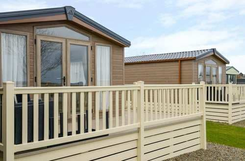 Last Minute Cottages - Superb Cornwall Lodge S81855