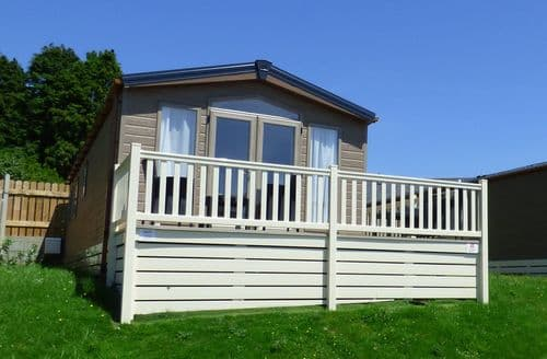 Last Minute Cottages - Gorgeous Cornwall Lodge S81854