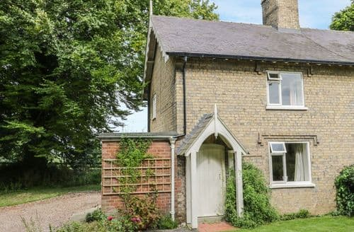 Last Minute Cottages - Tasteful East Lindsey Cottage S85299