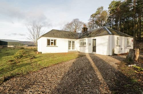 Big Cottages - Tasteful Glenprosen Cottage S90765