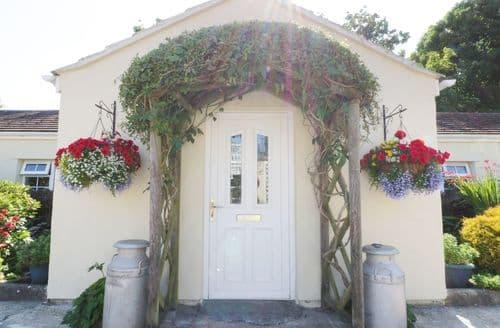 Last Minute Cottages - Exquisite Mullion Cottage S92863