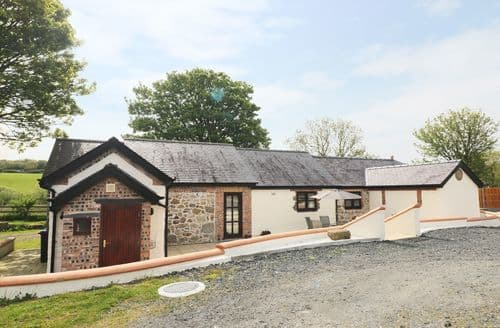 Big Cottages - Attractive Pentre Berw Cottage S70063