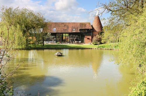 Big Cottages - Luxury Ashford Cottage S98212