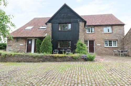 Last Minute Cottages - Wood Cottage