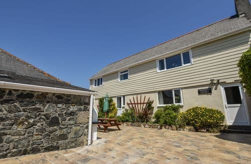 Last Minute Cottages - Trewenna