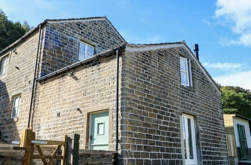 Last Minute Cottages - Gorgeous Honley Cottage S122482