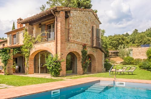 Last Minute Cottages - Villa Martino