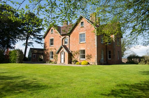 Last Minute Cottages - Old Queens Manor