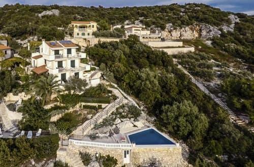 Last Minute Cottages - Villa Aniram
