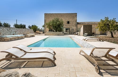 Last Minute Cottages - Casa Donnafugata