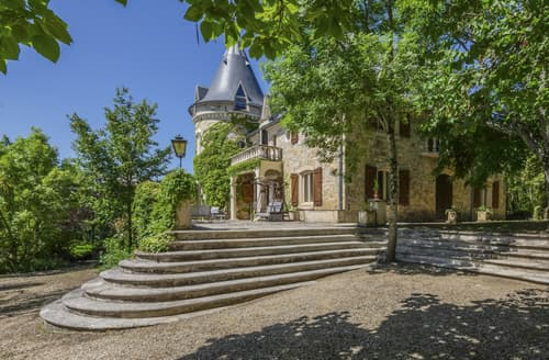 Last Minute Cottages - Chateau Joncaises