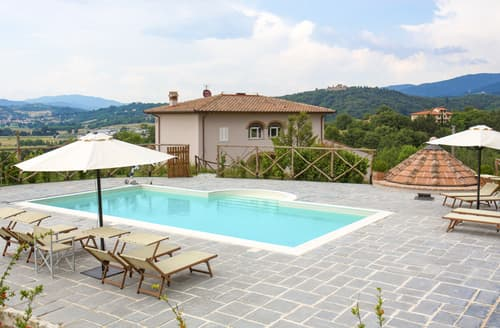 Last Minute Cottages - Casa Regello