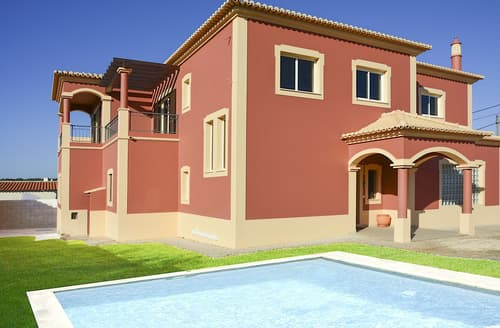 Last Minute Cottages - Villa Valentia