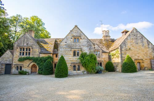 Big Cottages - Cotswold Manor Estate