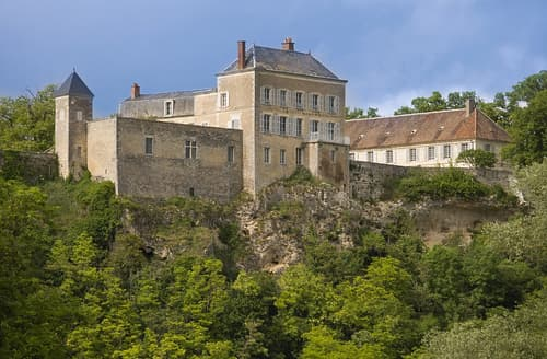 Last Minute Cottages - Chateau Des Siecles And Annexe