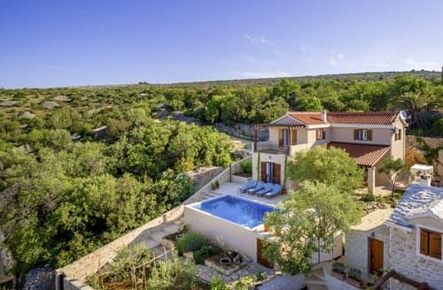Last Minute Cottages - Villa Zayna