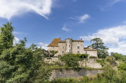 Last Minute Cottages - Chateau D'Ax