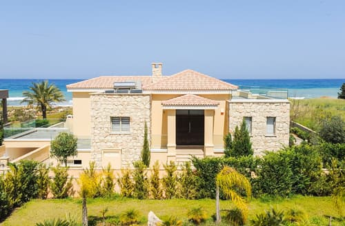 Last Minute Cottages - Harmonia Beach Villa