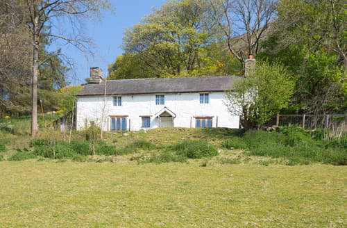 Big Cottages - Tanat Valley Farmhouse
