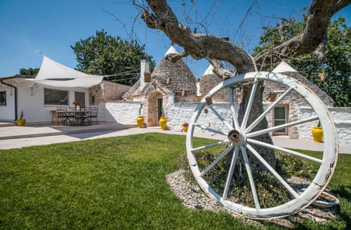 Last Minute Cottages - Trulli Lavanda