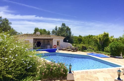 Last Minute Cottages - Villa Dylla
