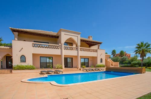 Last Minute Cottages - Villa Faldo