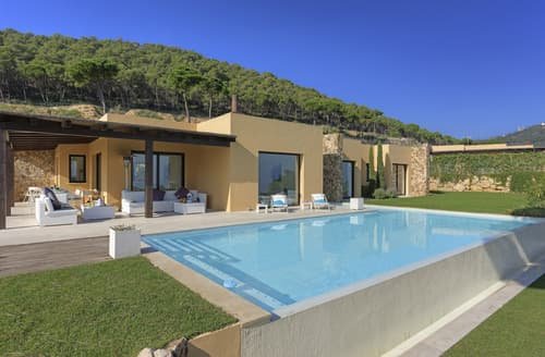 Last Minute Cottages - Villa Naira