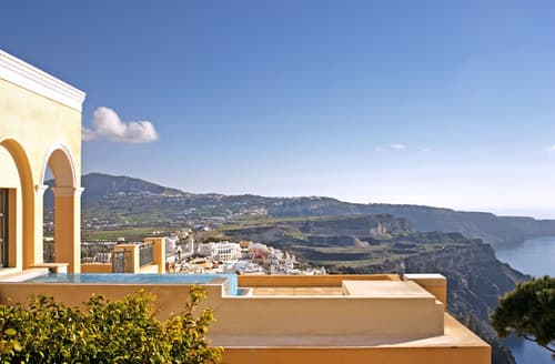 Last Minute Cottages - Villa Theras