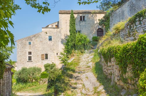 Last Minute Cottages - Maison Achard