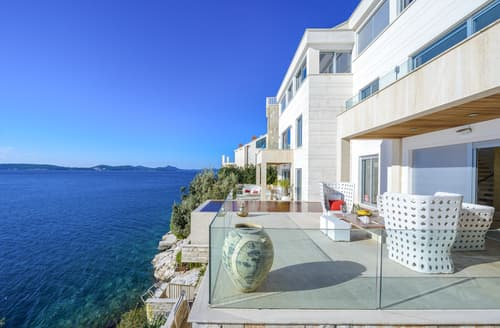Last Minute Cottages - Adriatic Beach House