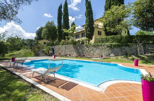 Last Minute Cottages - Villa Nicoletta