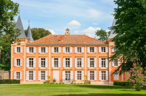 Last Minute Cottages - Chateau du Capitaine