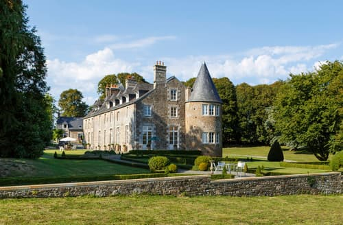 Last Minute Cottages - Chateau Quatre Saisons