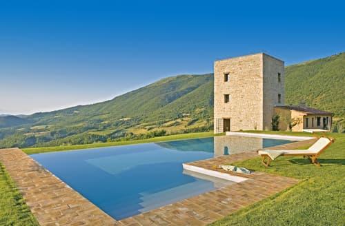 Last Minute Cottages - Tower Villa