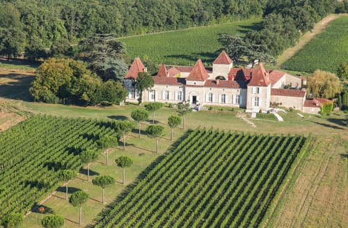 Last Minute Cottages - Chateau Tournesol