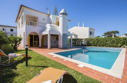 Last Minute Cottages - Villa Acolhedor