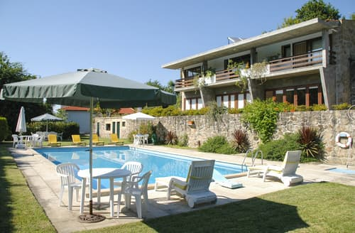 Last Minute Cottages - Villa Anaclara