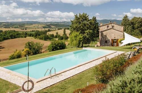 Last Minute Cottages - Villa Presti
