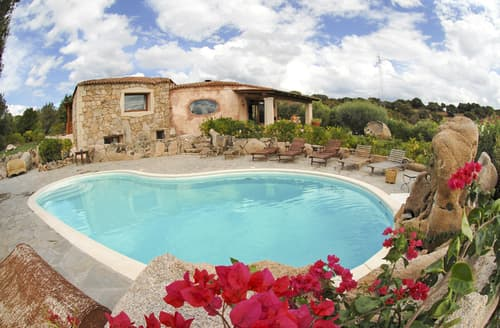 Last Minute Cottages - Villa Leonilda