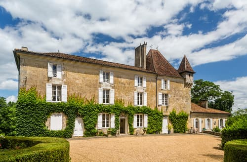 Last Minute Cottages - Chateau De La Guerinche