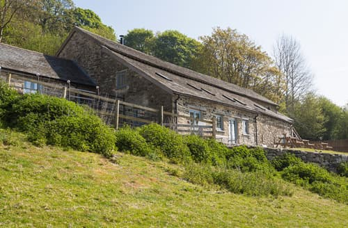 Last Minute Cottages - Upper Valley Barns