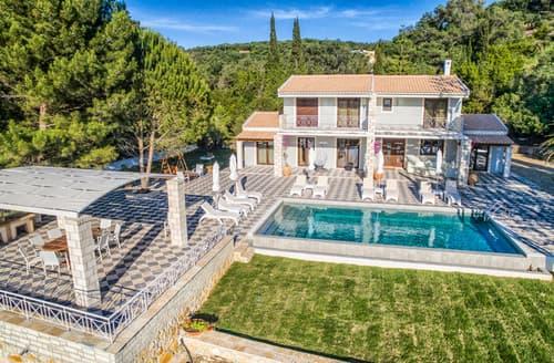Last Minute Cottages - Villa Thalassa