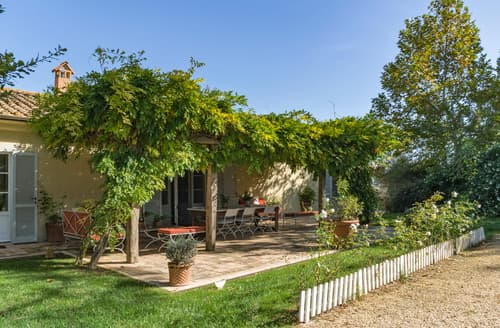 Last Minute Cottages - Villa Gelso